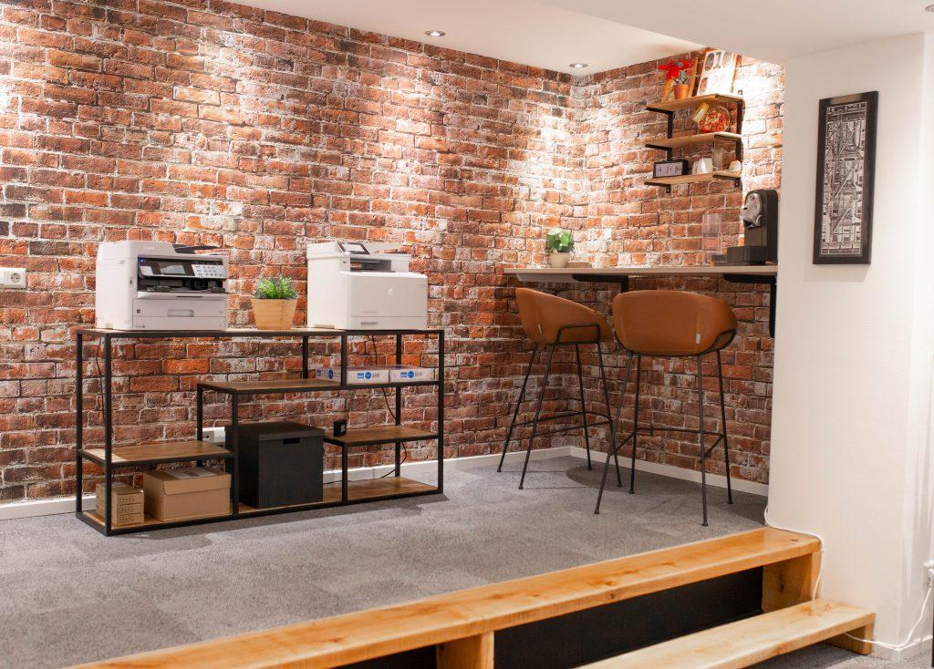 Koffiecorner, klantcase kantoorinrichting door Hoogerwerf